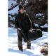 • Jednoduchý lovecký vak na posed   • Vak je vhodný pre lovca na postriežke, rybárov alebo pozorovateľa zveri.   • Slúži ako vrchná samostatná zatepľovacie vrstva určená pre jesenné a zimné chladné obdobie.   • Vak je v ľavom boku opatrený zdrhovadlom, ktorým možno vak odhora rozopnúť do 2/3 dĺžky a umožniť tak pohodlné navliekanie a vyzliekanie.   • Na prednej časti vaku je našitý